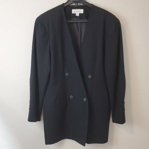 Saks Fifth Avenue Vintage long basic black blazer